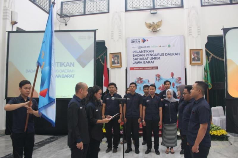 Prosesi pelantikan BPD Sahabat UMKM Jawa Barat di Aula Barat Gedung Sate, Bandung, Sabtu (23/3/2019). Foto: (doc/MNEWS).