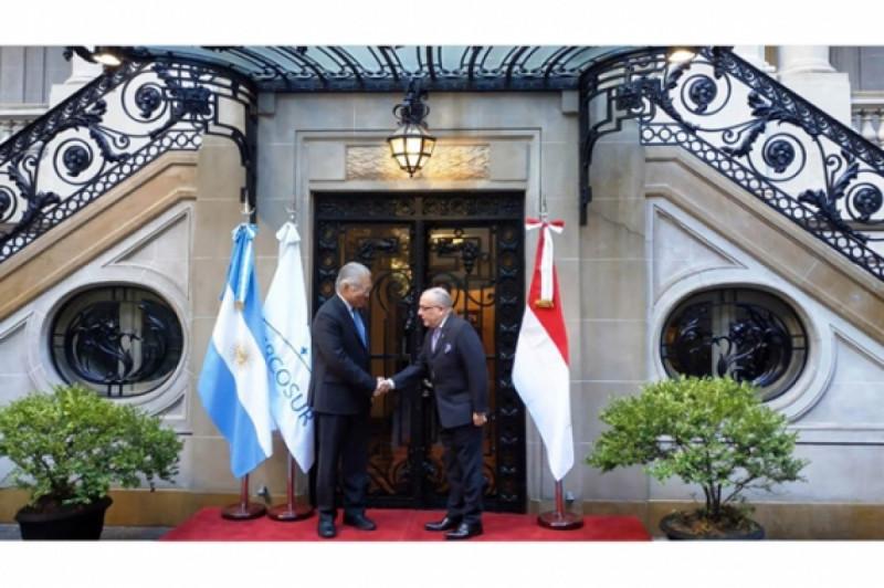 Pertemuan Bilateral Mendag RI dengan Menteri Luar Negeri dan Kepercayaan Argentina. Foto: Kemendag.