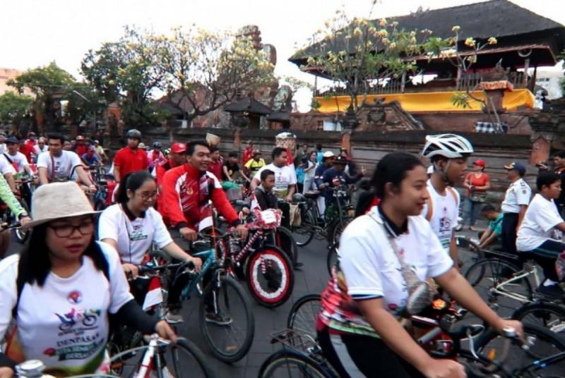 Para Peserta Gowes Nusantara di Denpasar, Bali. (Foto : Kemenpora)