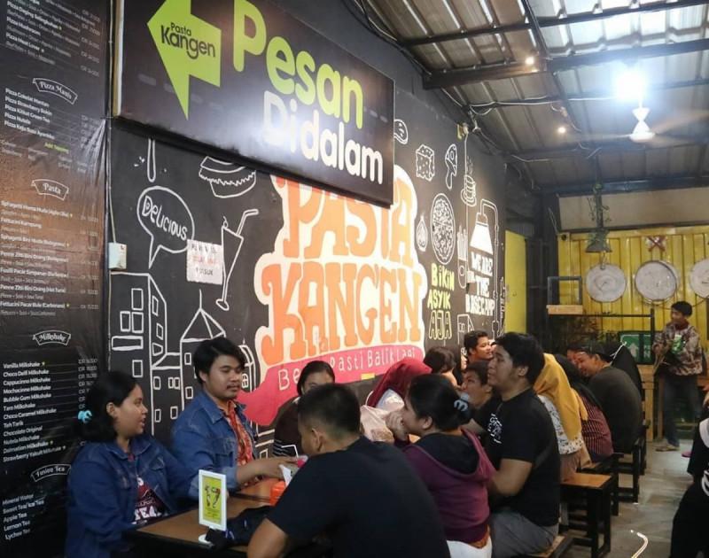 Suasana di dalam kedai Pasta Kangen. (Foto: Instagram/pastakangen.id)