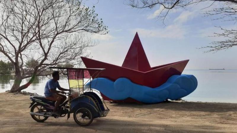Ikon baru berupa patung karya seniman Asosiasi Pematung Indonesia di Kepulauan Seribu. (Foto: Dok. Dinas Pariwsata Kepulauan Seribu)