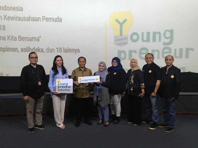 Momen Launching dan Rebranding Youngpreneur.id dalam RAKORDA Ke-2 di Gedung Teater Kemenpora, Jakarta, Sabtu (22/2/20). (Foto: MNEWS)