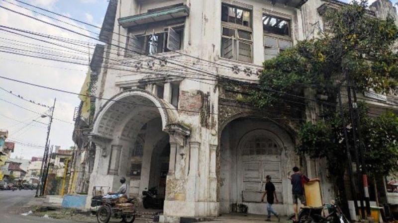 Tampilan Gedung Warenhuis. (Foto: Tribun Medan)