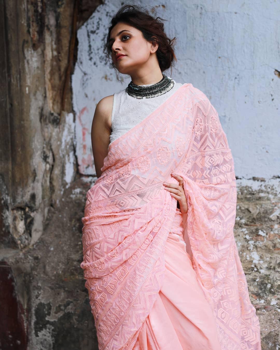 Sleeveless Saree Blouse Designs That