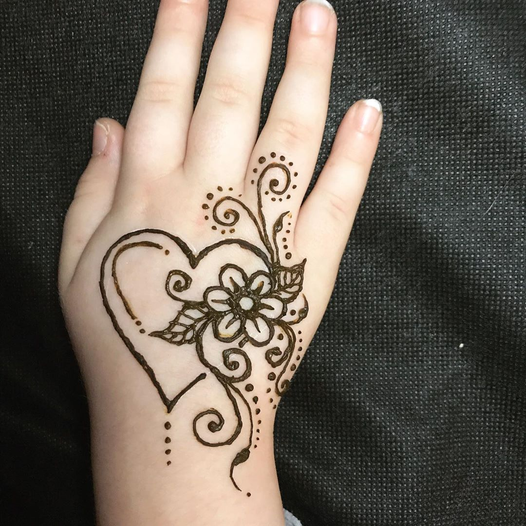 simple hand mehndi designs for kids