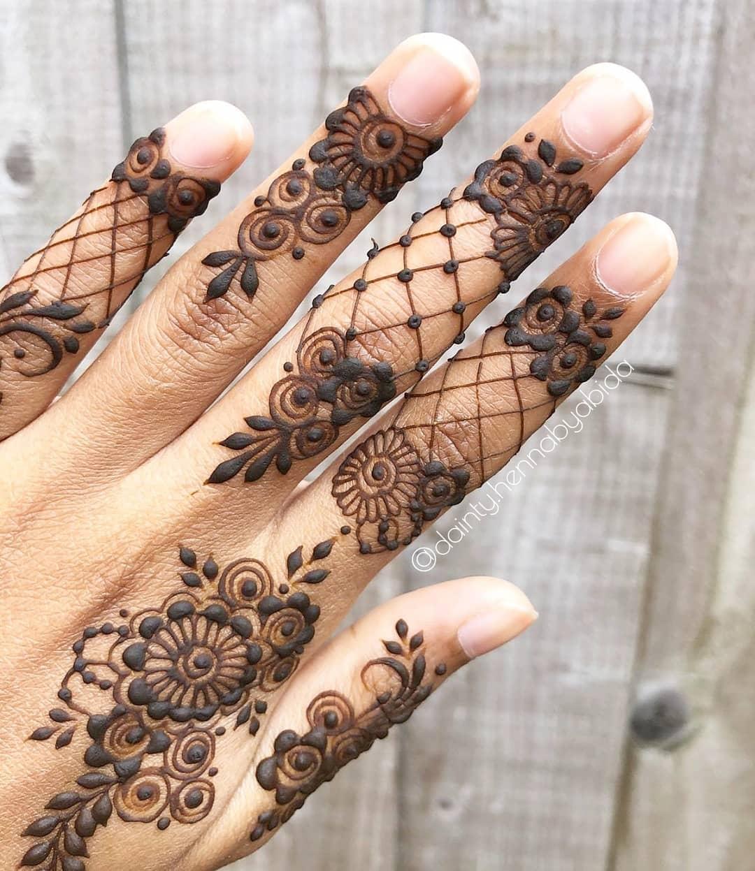 hand finger mehndi design