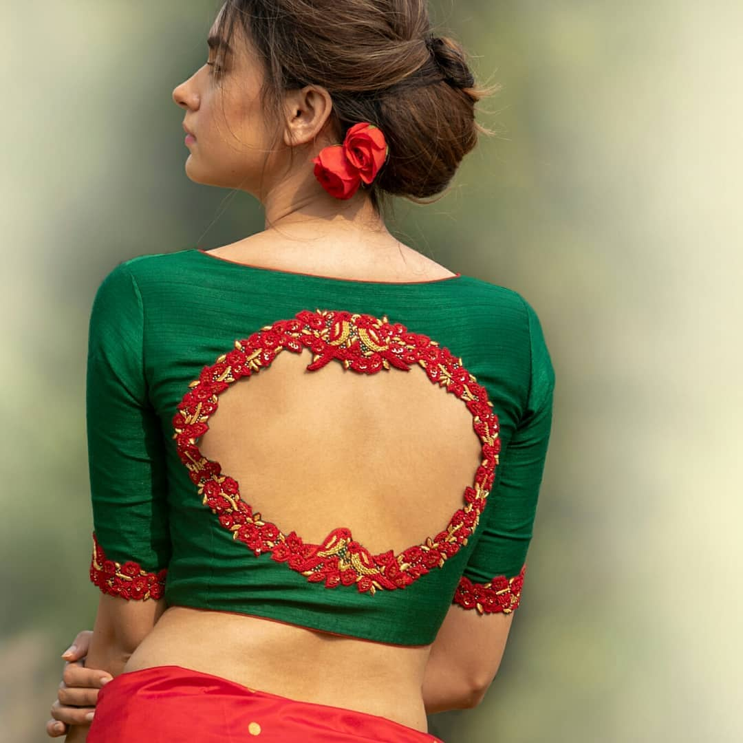 Simple And Elegant Blouse Back Neck Designs With Borders Meesho