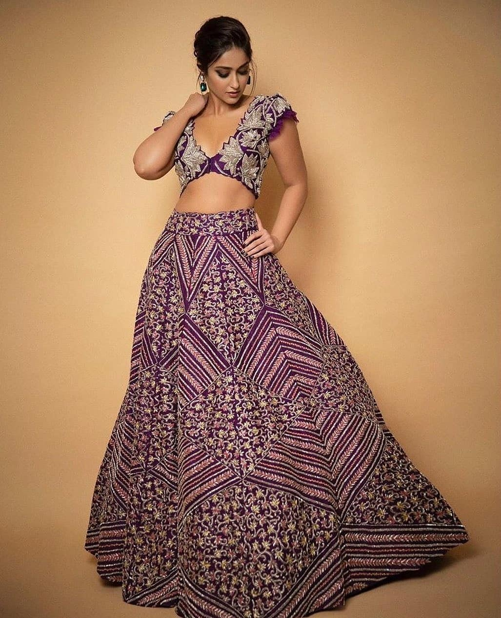 9 Easy Hairstyles For Lehenga For All Girls Out There Meesho