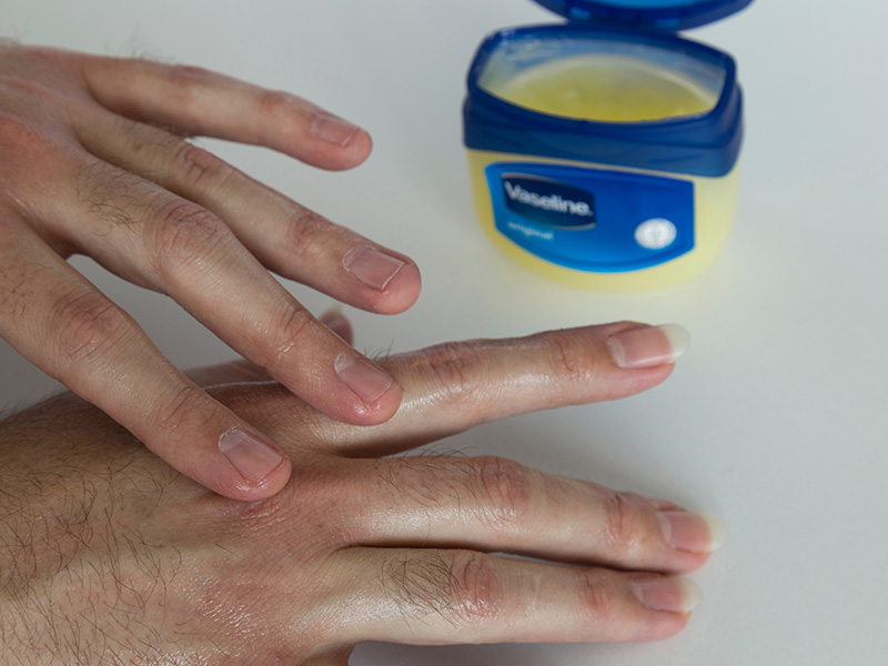 Uses Of Petroleum Jelly For Hand And Legs