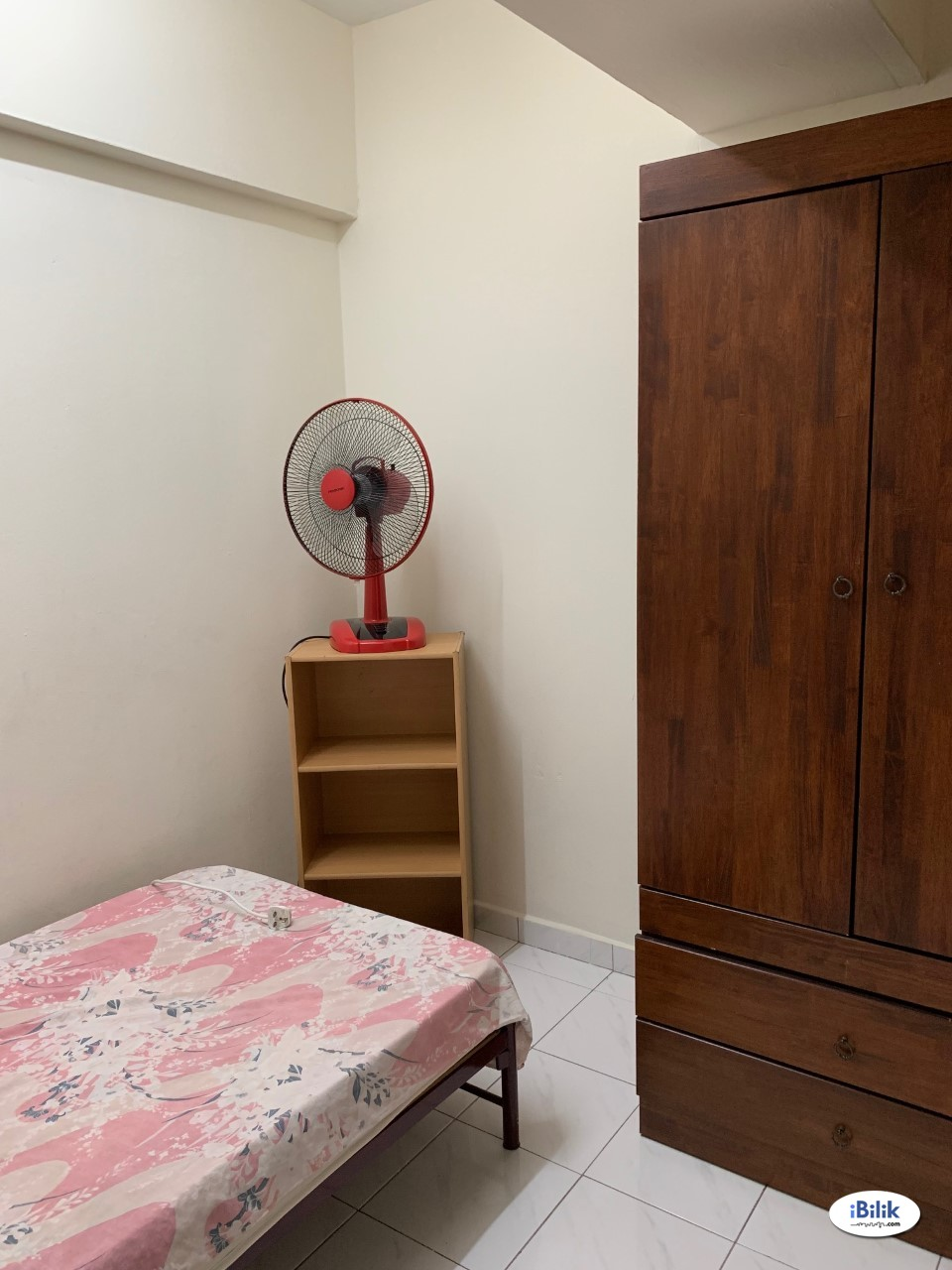 Chinwoo Court Single Room