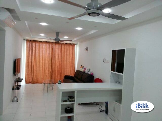 PALMA LAGUNA MASTERBED FOR RENT (PRIVATE BATHROOM ATTACHED/ WITHOUT CAR PARK)