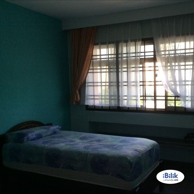 Blk 692 Single Room at Opposite Jurong Point