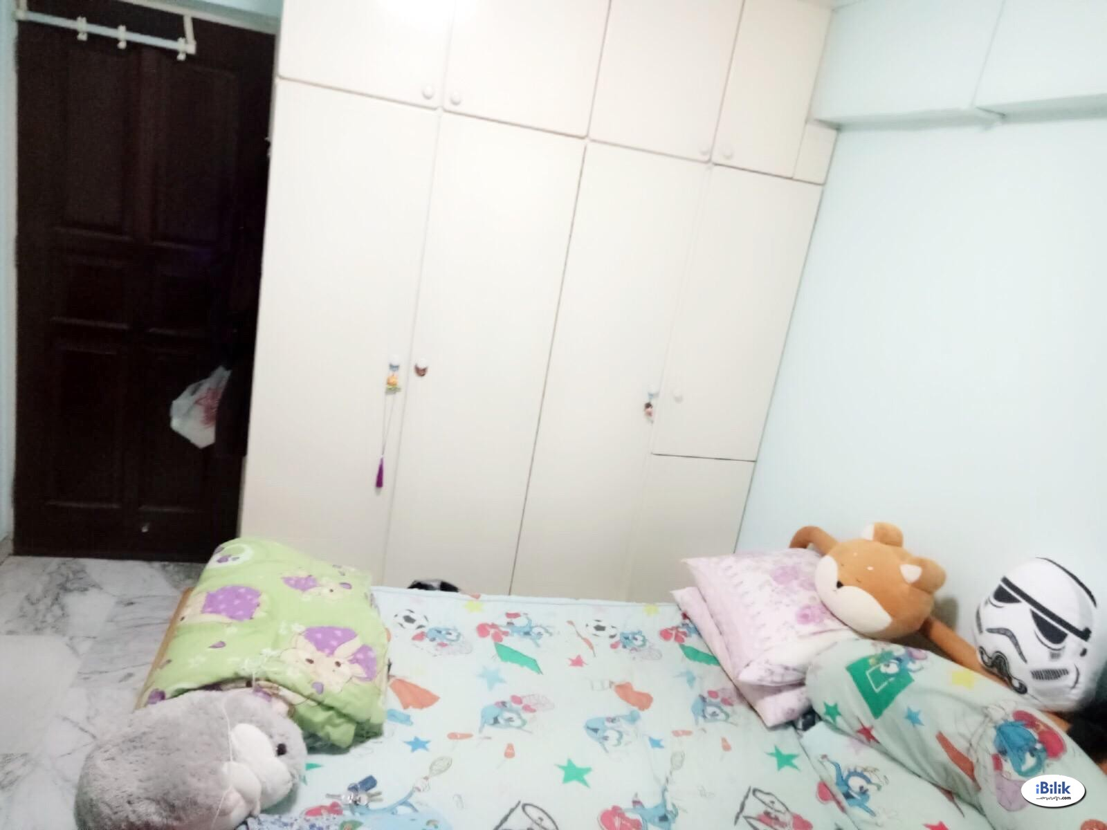 Master Room Blk 350 Clementi, Minutes walk to Clementi MRT and Mall