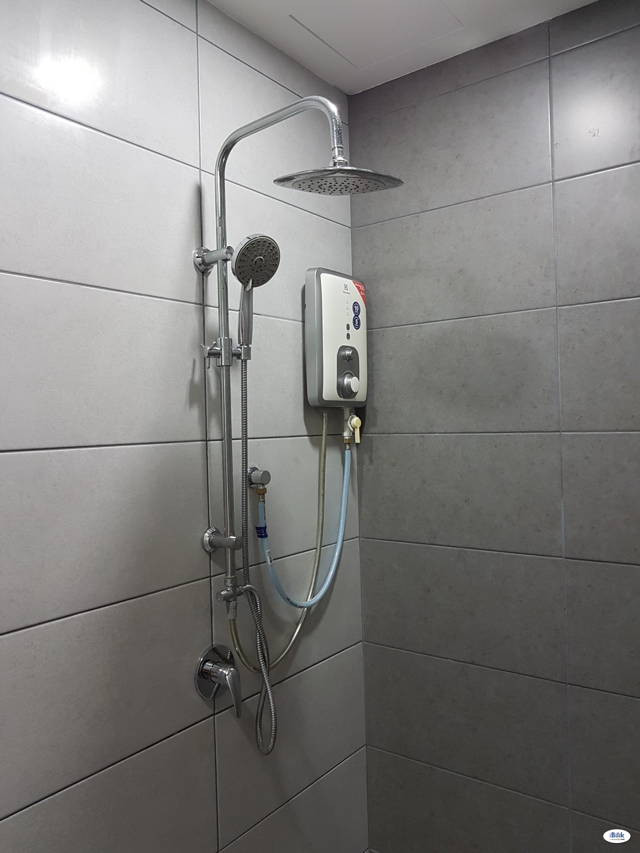 Single Room + Wifi: 400m to LRT, Restaurants (Grab NOW)