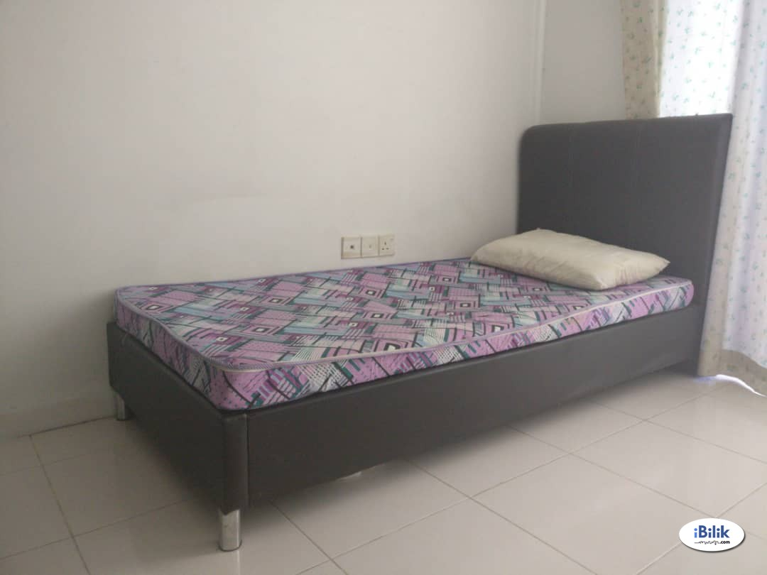 Guy house. RM195 Fully Furnished. Cyberia Smarthomes Medium Room