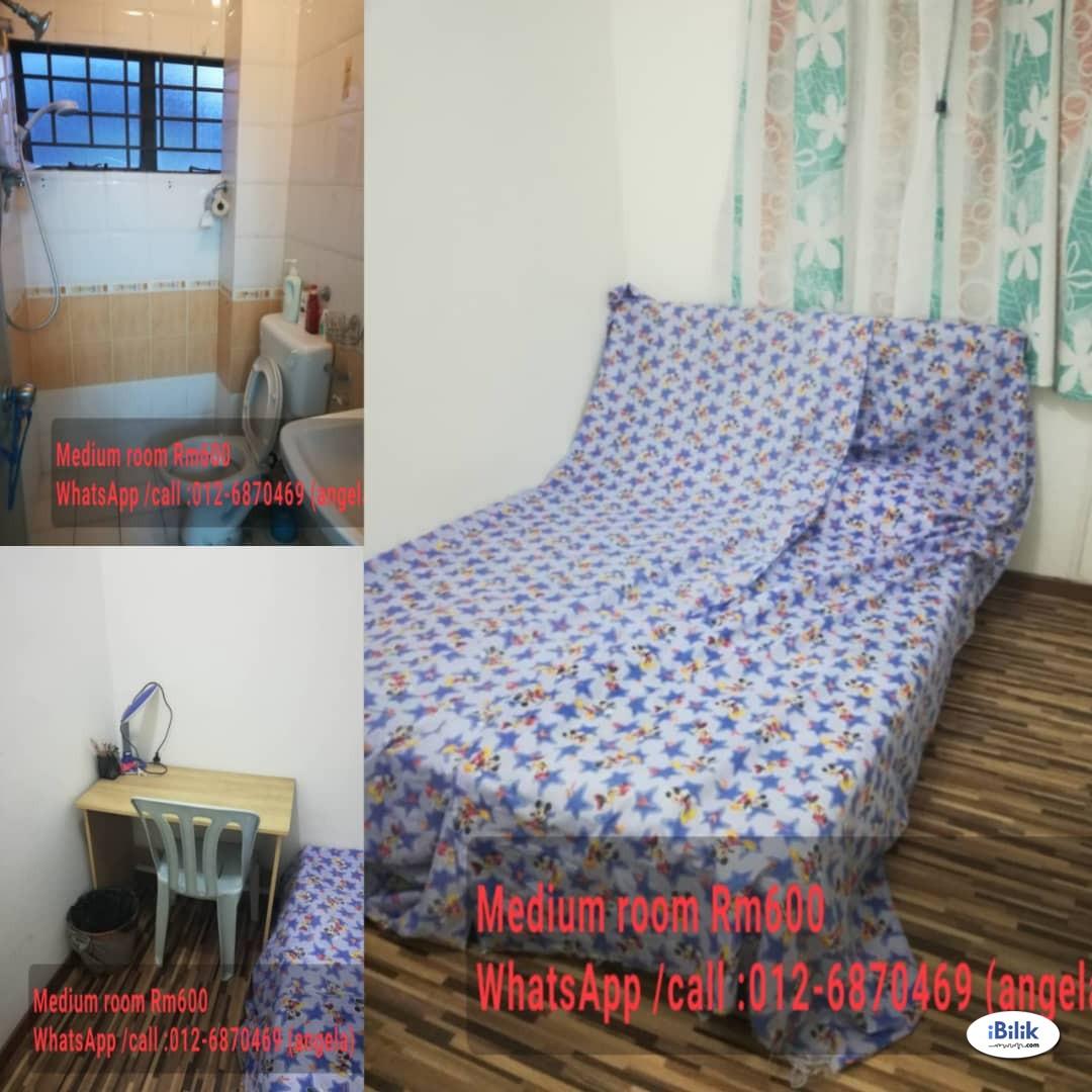 Large Middle Room at   jln indah 3/7 ,Taman Puchong Indah, Puchong