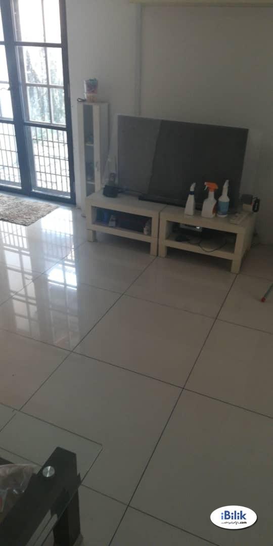 Middle Room at Taman Puchong Indah, Puchong