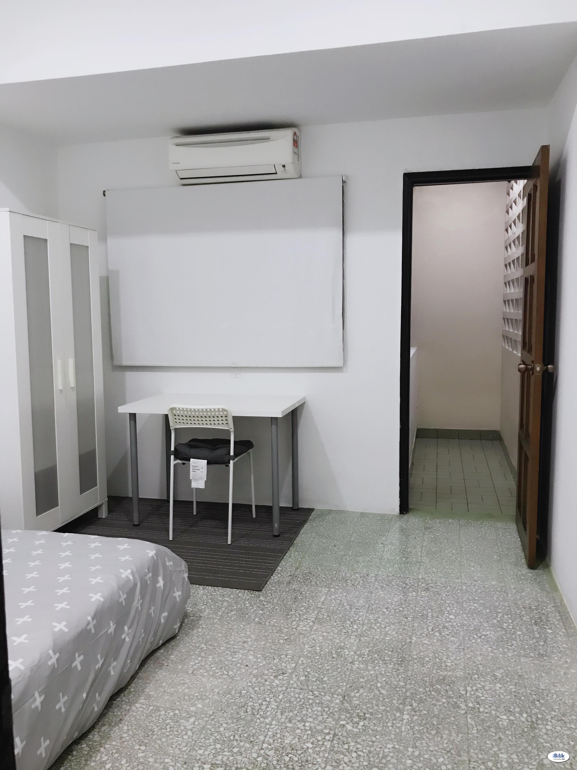 Middle Room at Pudu, KL City Centre