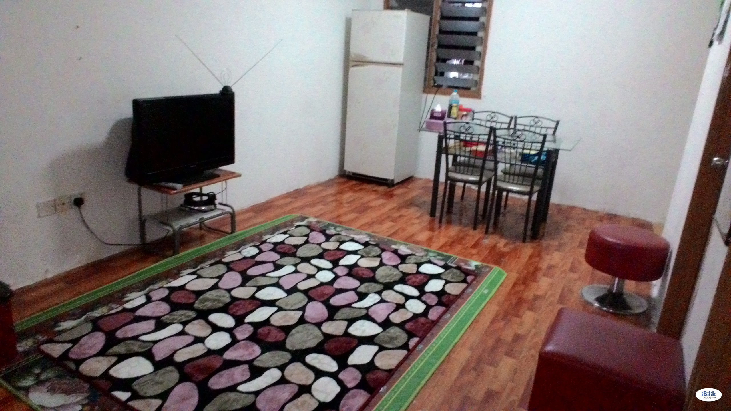 Middle Room at Bandar Tasik Selatan, Cheras