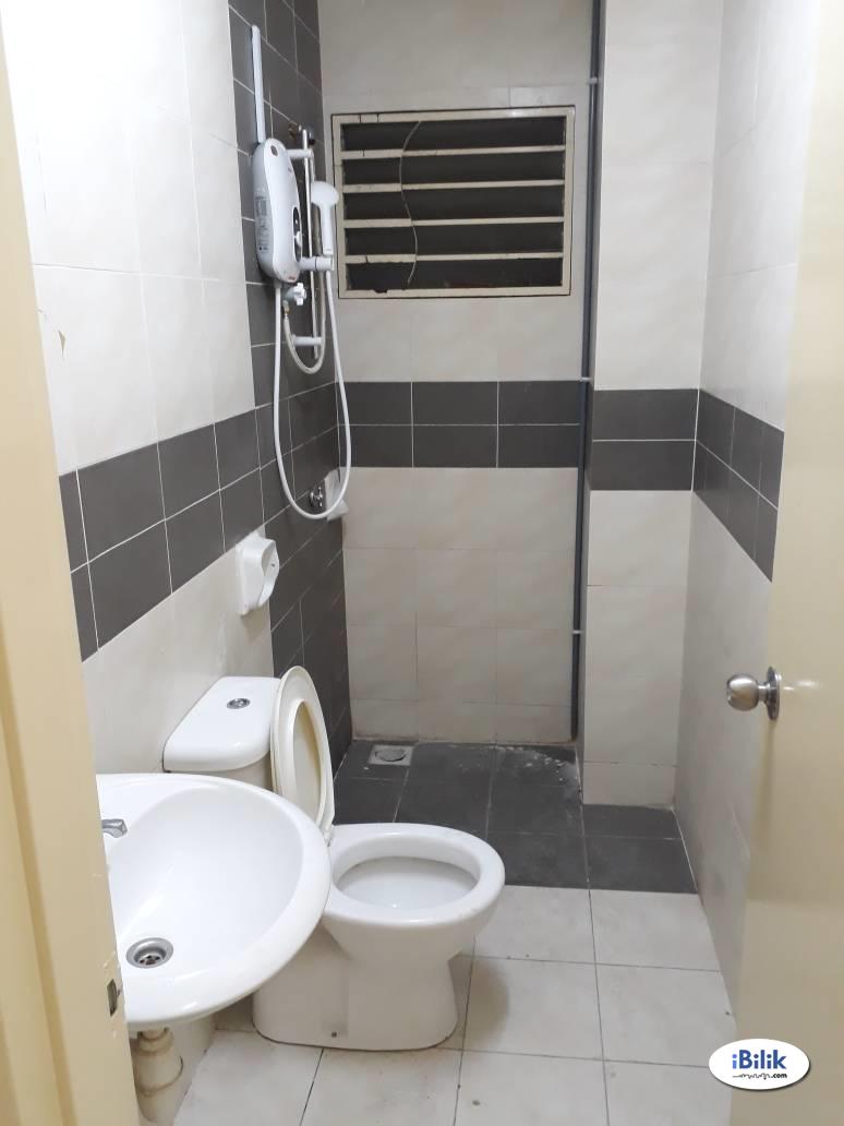 [Aircond] Medium Room, Putra Suria, 5 minutes walk to LRT Station, Utilities Included