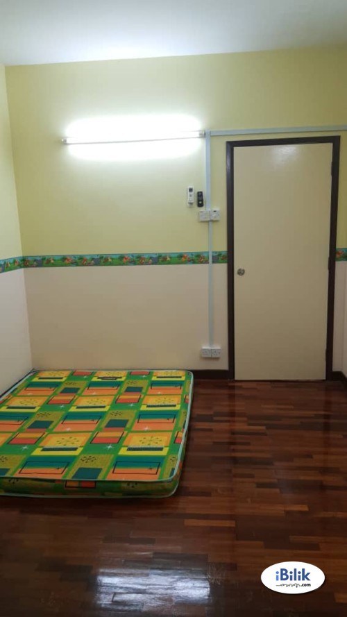 Room For Rent at TTDI with Free Wifi,  Full Facilities Available Rent
