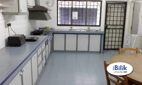 Free Wifi Middle Room at Taman Wawasan , Puchong With Full Facilities AvIailable To Let