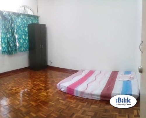 Master Room Rent With Fully Furnished with Internet at Bandar Kinrara Puchong Available