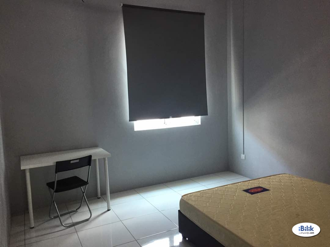Master Room at Maple Residence, Butterworth