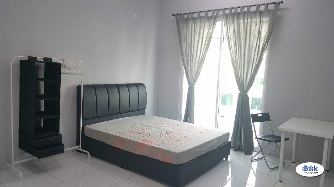 Middle Room at Maple Residence, Butterworth