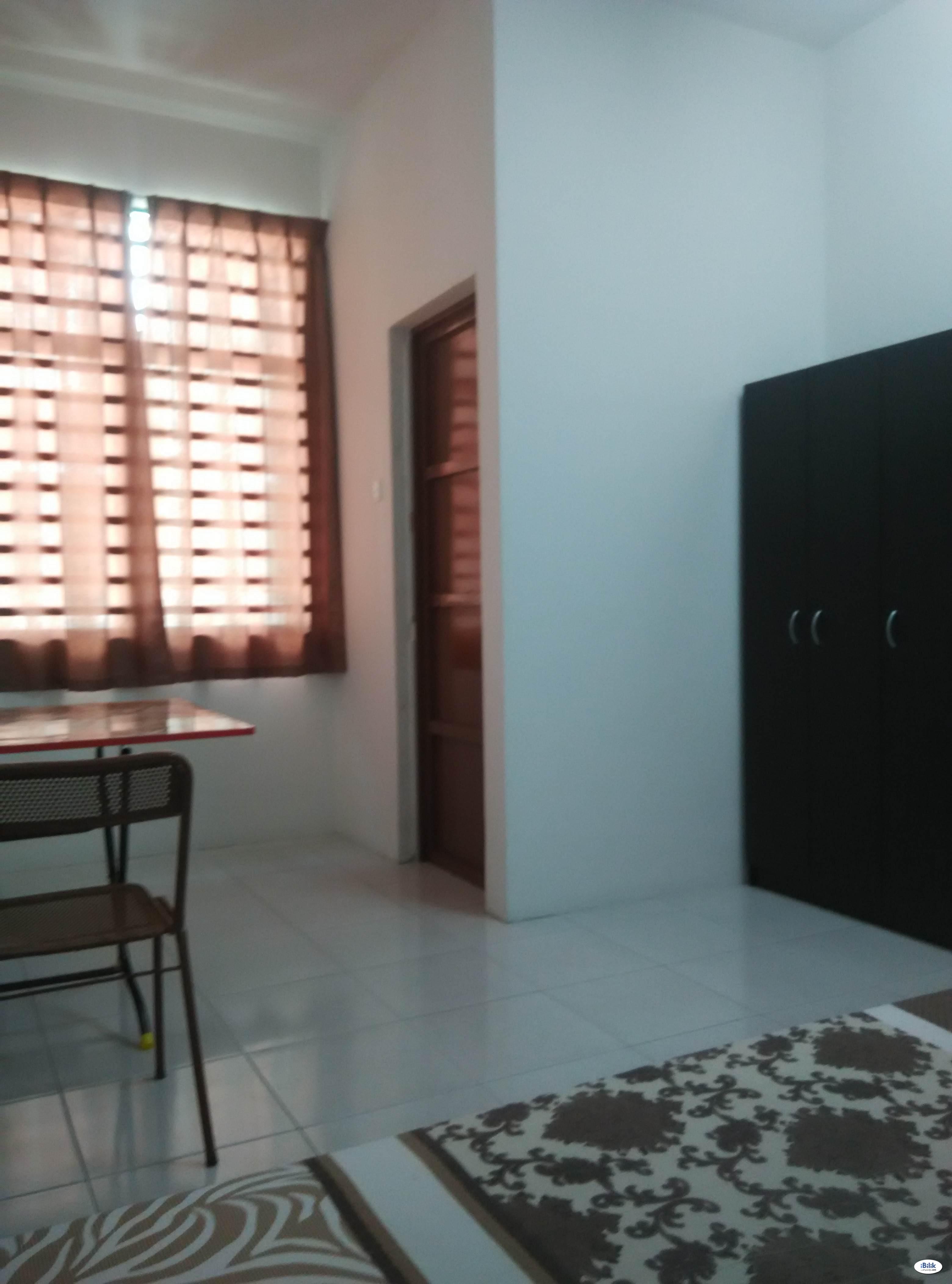 Middle Room at Taman Cendana Permai, Juru