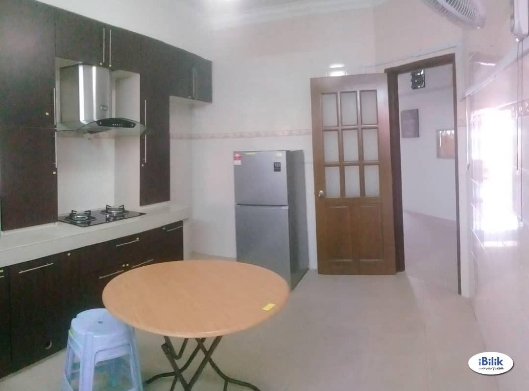 Master Room at Taman Damai Utama, Bandar Kinrara ,Full Facilities