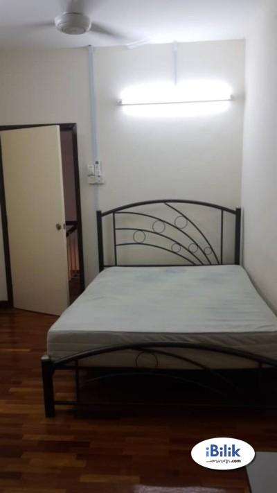 Room at SS15 Subang Jaya, Subang Parade, Empire , SS15 LRT With Free Wifi