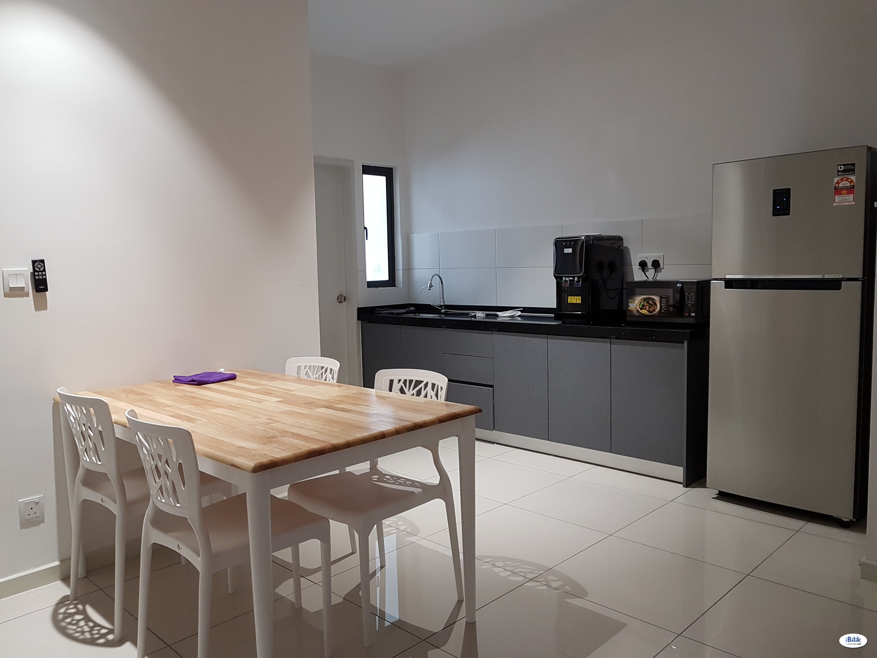 Big ROOM Offer- Wifi and Water Filter! 400m to LRT, restaurants
