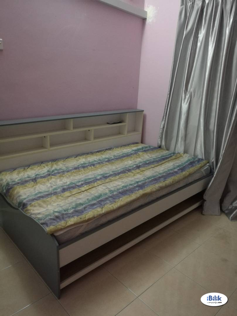 2 Middle Rooms at Sea View Tower, Harbour Place, Butterworth, available 1/4/19
