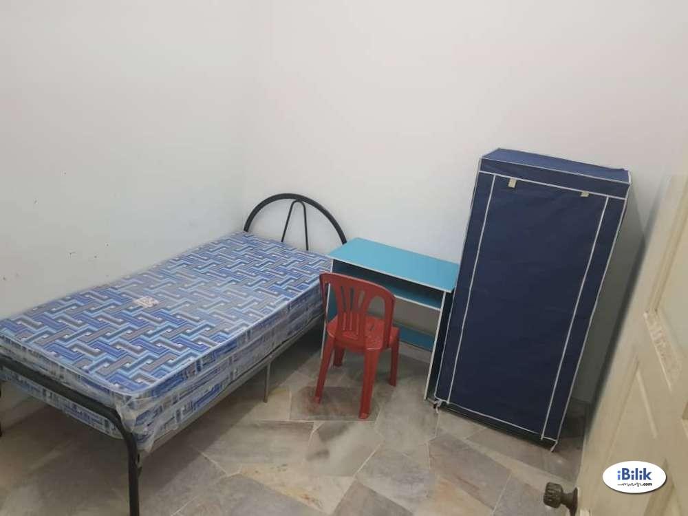 Private Room at  Cheras Alam Damai, Near Taman Connaught & WI-FI