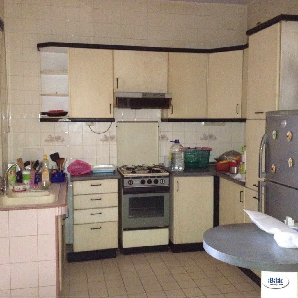 Full Furnish Double Room Rent at Bandar Bukit , Puchong With Wifi and Aircon