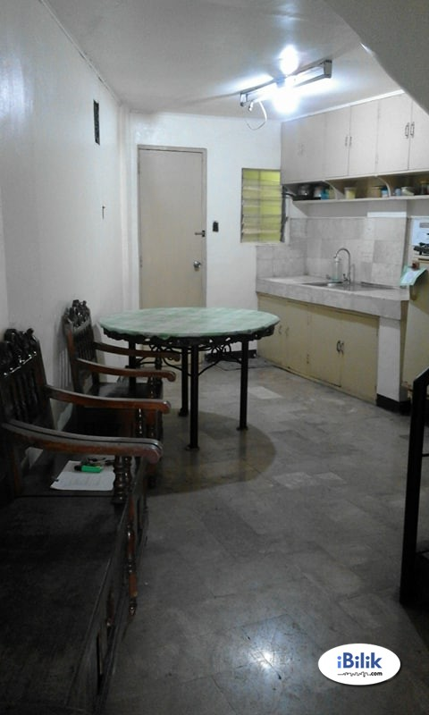 Single Room at Manila, Metro Manila