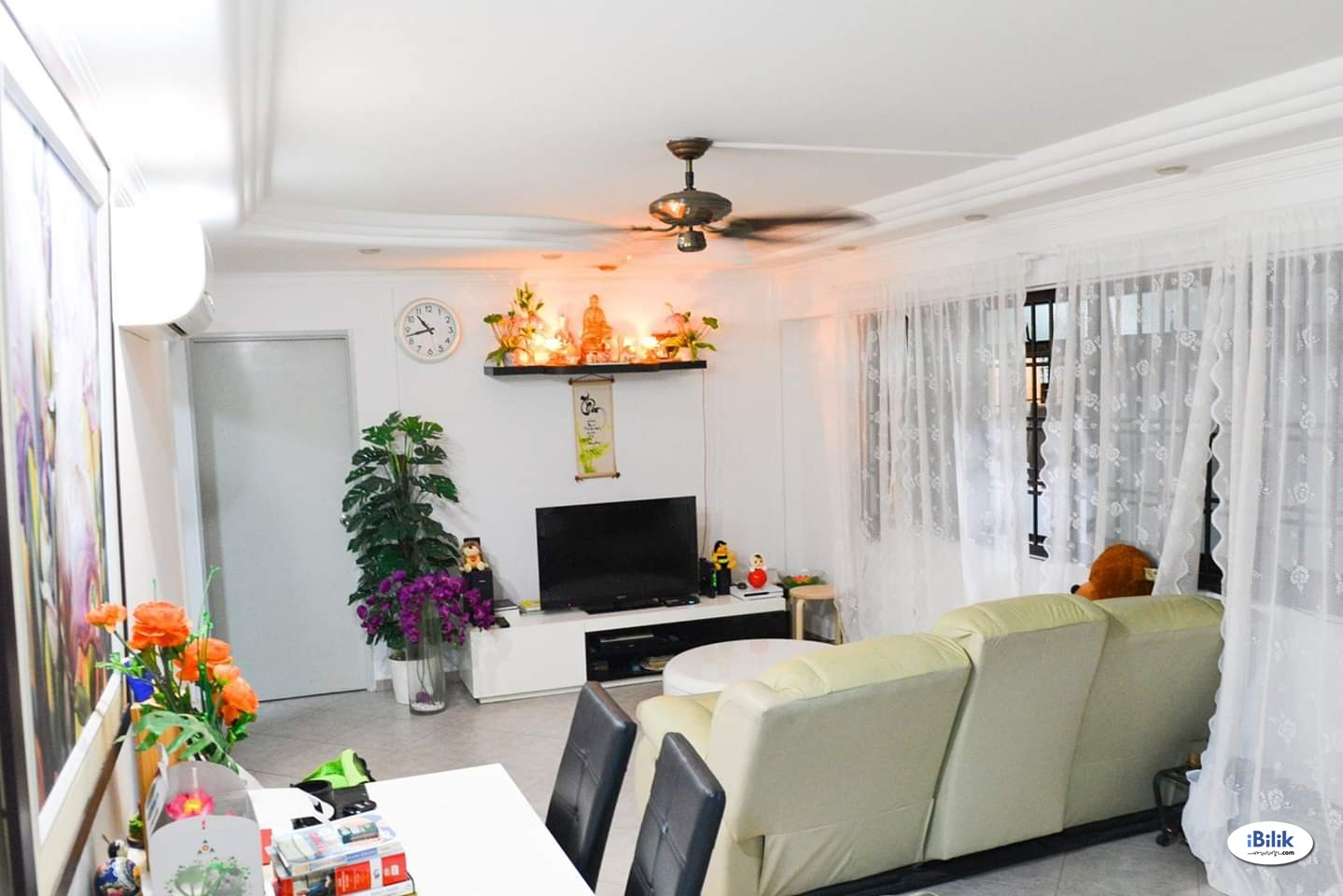 Common room at 623 jurong west street 61 for rent! Aircon wifi!
