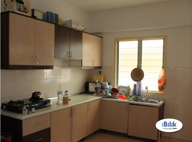 Medium Room For Rent at PJS 10/16 - Double Storey House