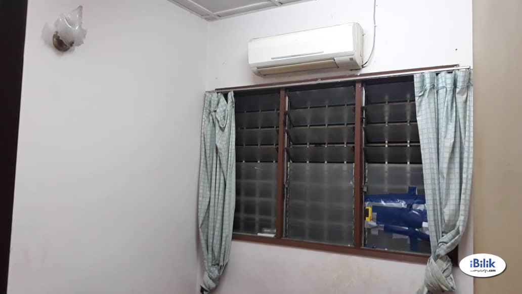 Room For Rent @ PJS 10/30 - Double Storey House