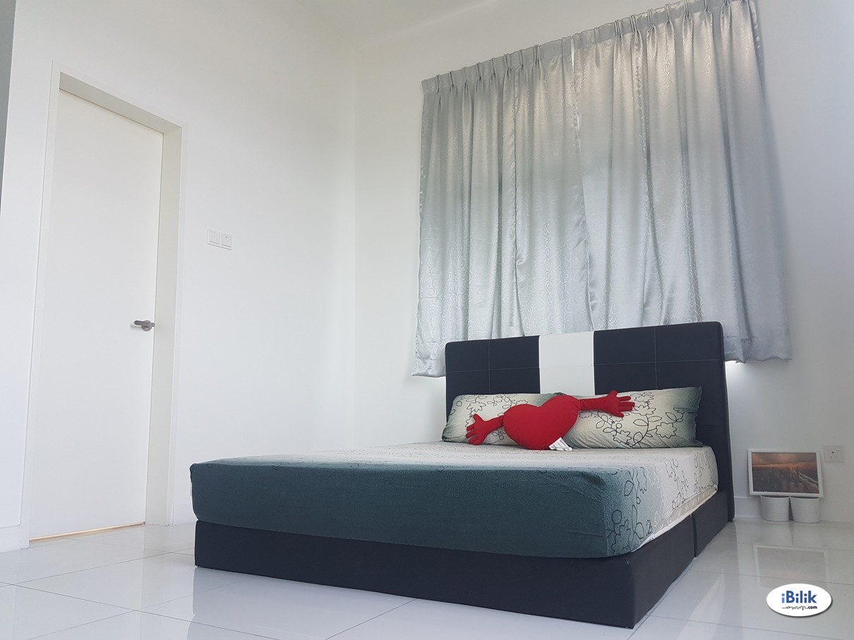SkyPod- Small Room For Rent Near Lrt Station And IoI Mall