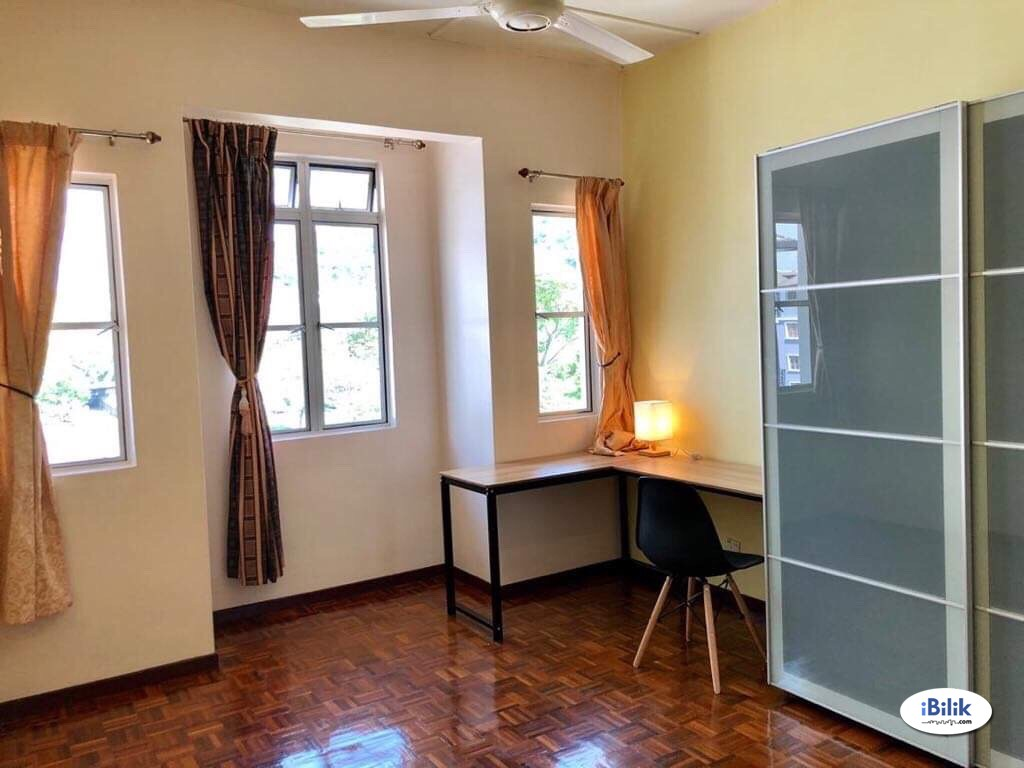 Master Room at Pusat Bandar Puchong, Puchong