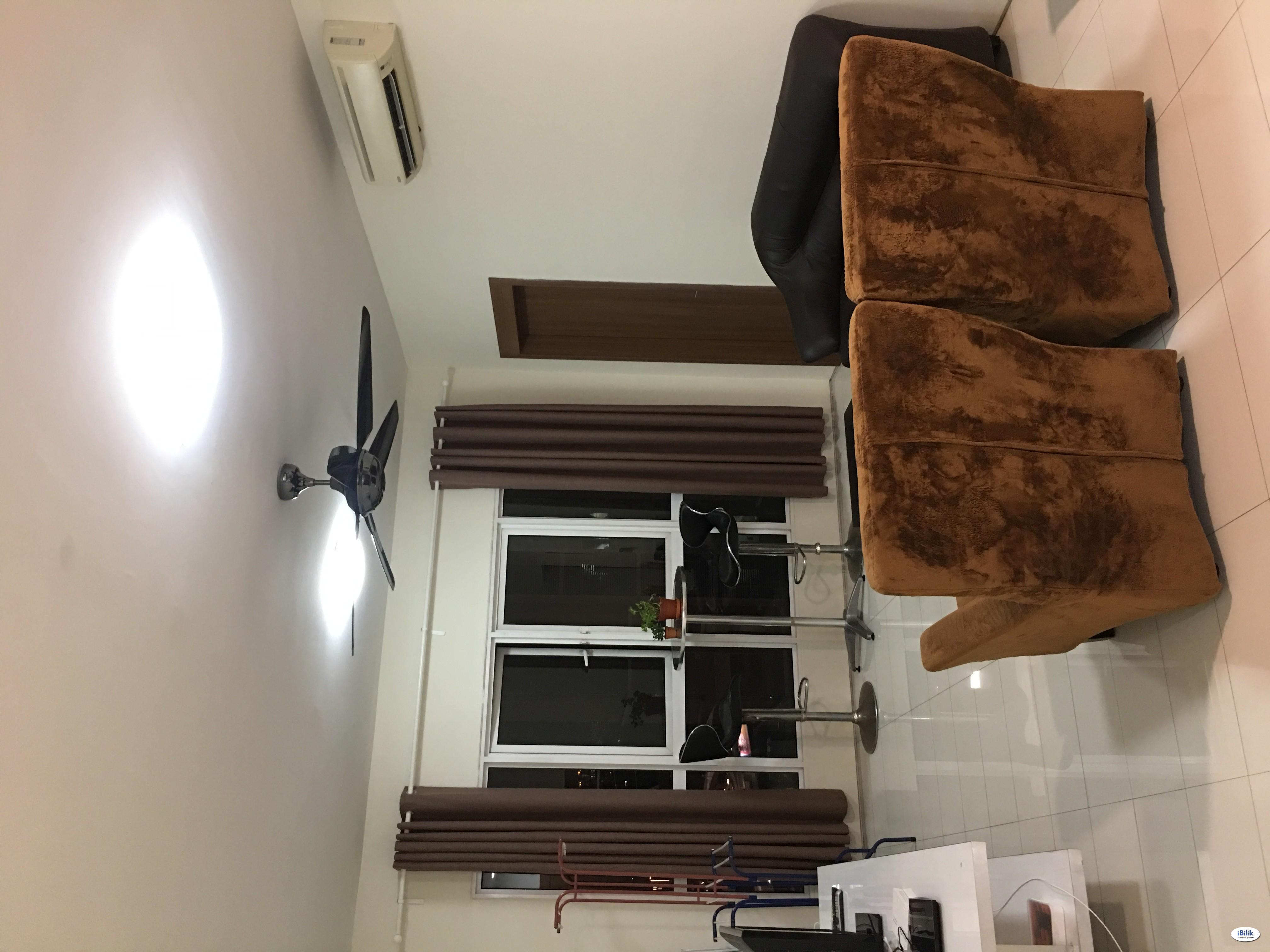 Middle Room at Titiwangsa Sentral, Titiwangsa