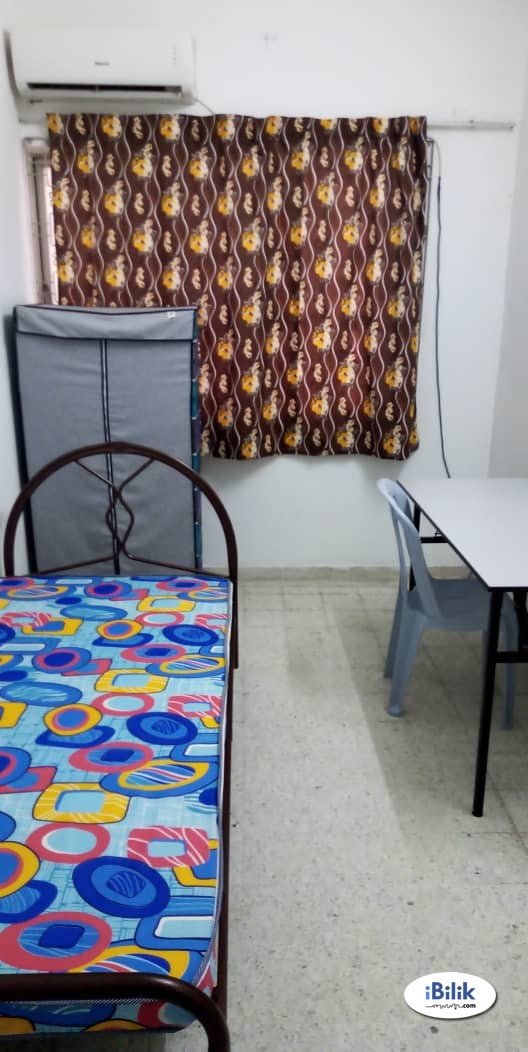 Room Available For Rent At Ss2 with Internet