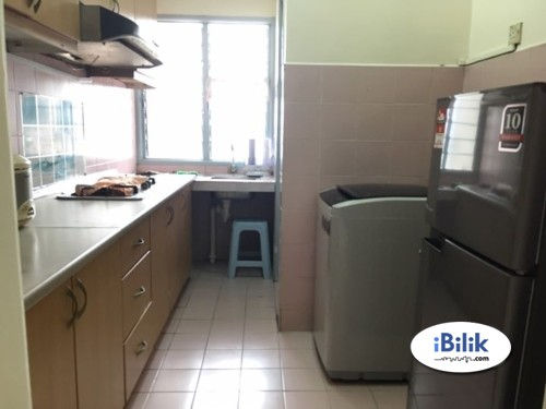 Available Middle Room at PJS 10 With Aircond With WiFi