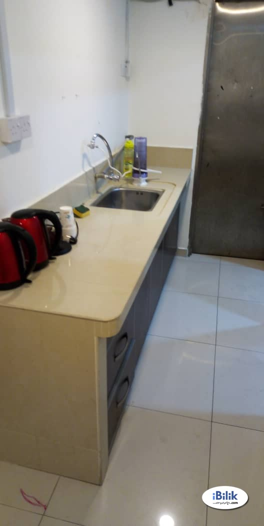 Full Furnish Room Taman Mayang WALKING LRT Kelana Jaya , WIFI