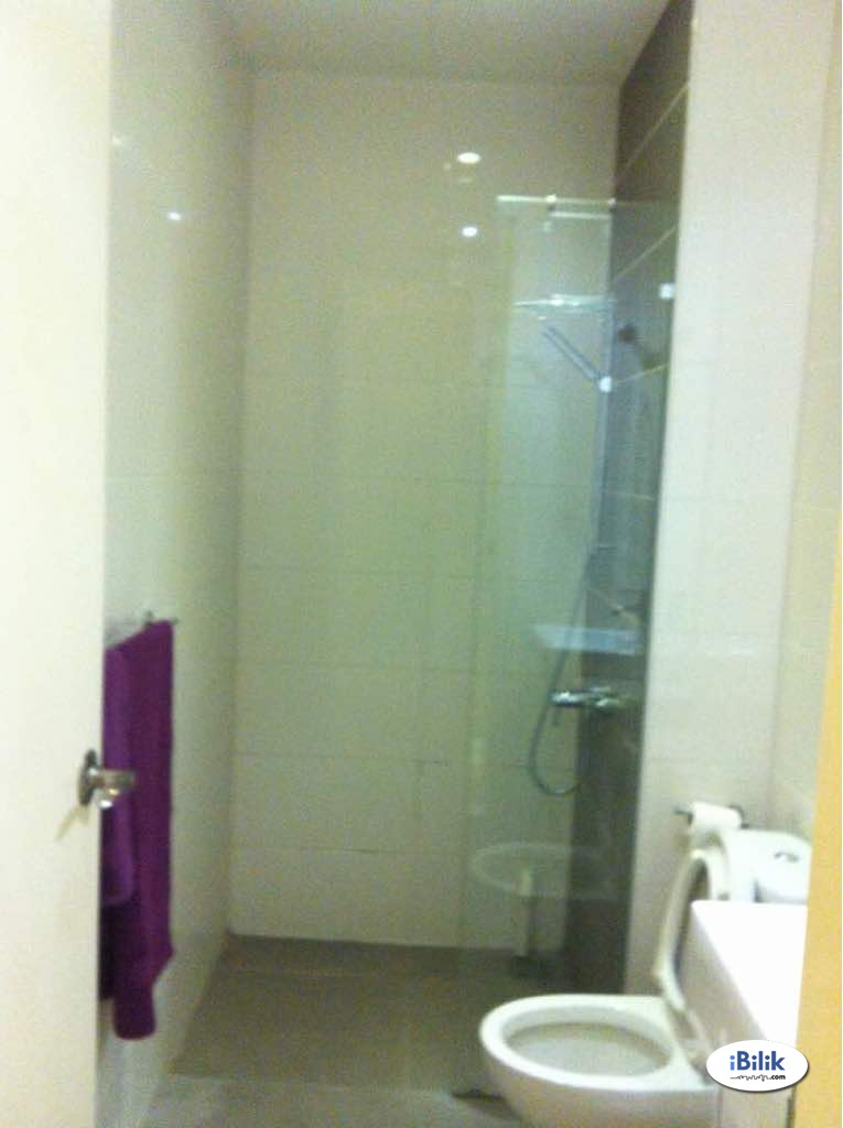 Seri Kembangan,available room for rent 450++