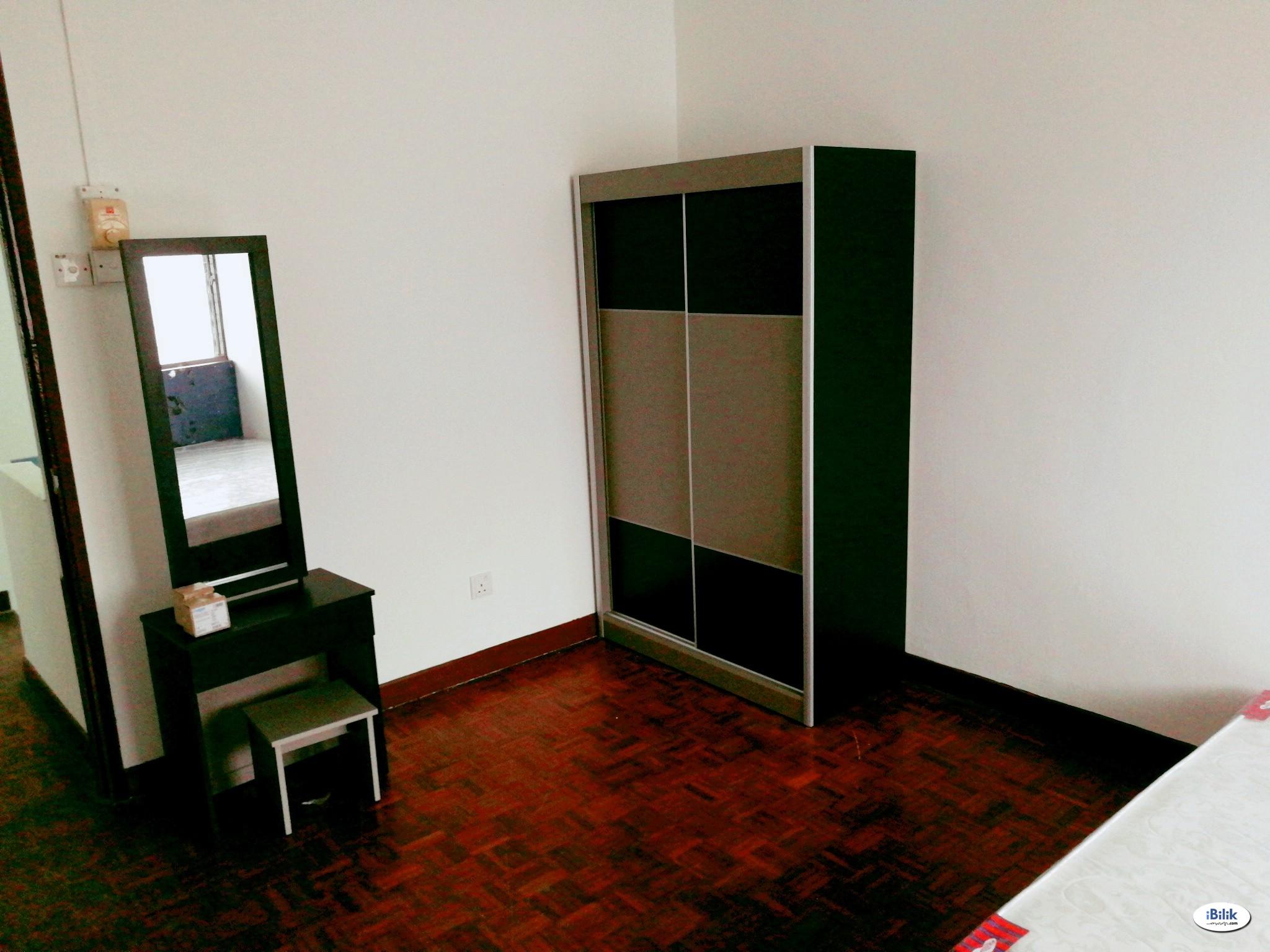 Middle Room at Shah Alam, Selangor