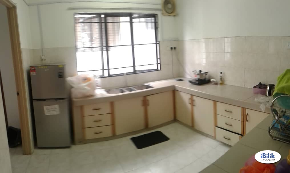 Available Room For Rent Kota Damansara Near MRT with Internet