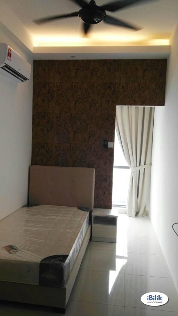 Designer Single Room with Window at Damen Residence Da Men Mall near SEGI Monash - 5 min walk to LRT/ BRT